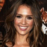 Jessica-Alba-medium-wavy-hairstyles-2011