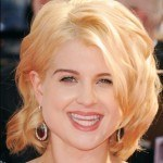 blonde-medium-wavy-hairstyles-2011