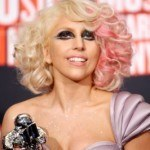 ladygagahairstyles_mediumcurly