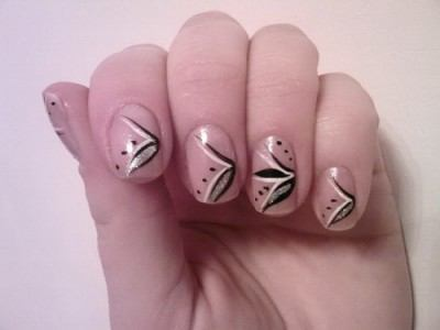 manera de tener las uñas bien cuidadas, es haciéndonos una manicure