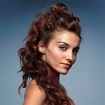 5e9575504db820a3_rikmo.onsugar.com_winter-formal-hairstyles