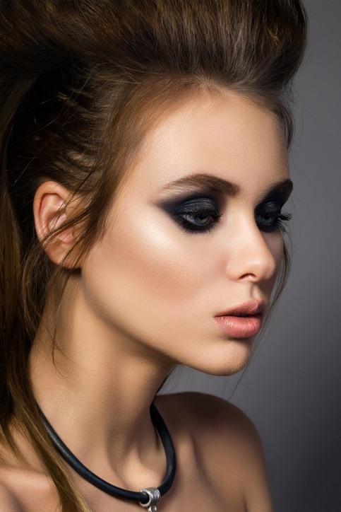 Maquillaje ojos ahumados para noche