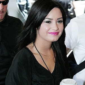 Demi Lovato Sports Her New Rocker Look in NYC!