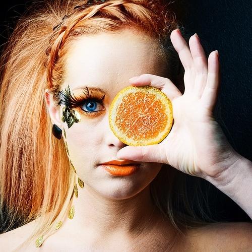 Orange-eyes-make-up