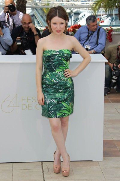 emily-browning-cannes-11-05-12