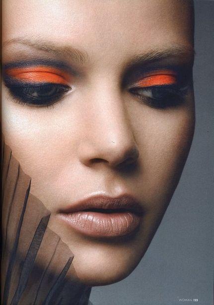 orange-eye-makeup