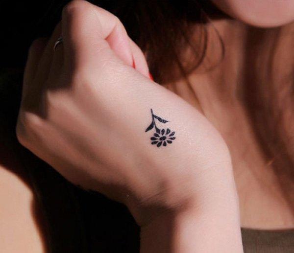 tatuajes-pequenos-para-mujeres-2015-tatuajes-mano