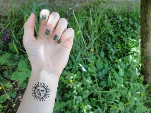 tatuajes-en-la-muneca-2014-sol