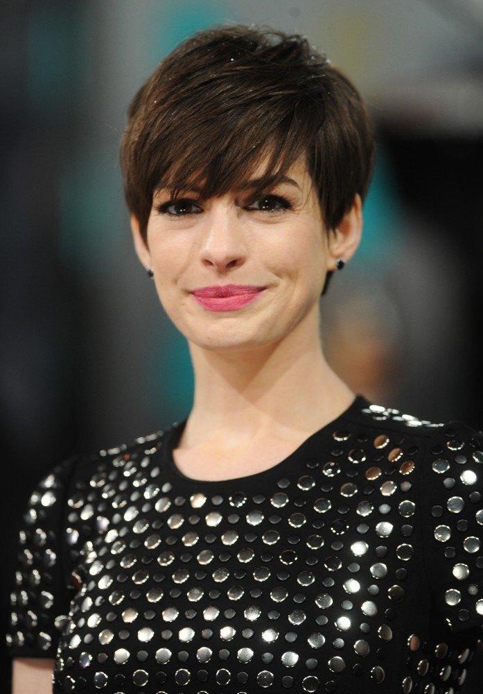 Anne Hathaway 2013