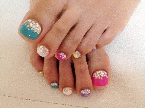 Uñas de los pies, decoración 2013