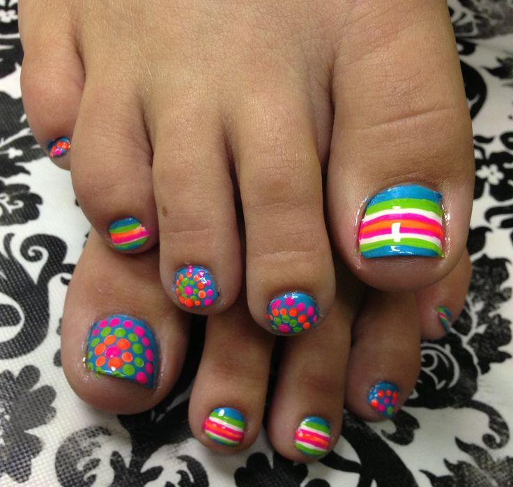 colores vivos uñas pies