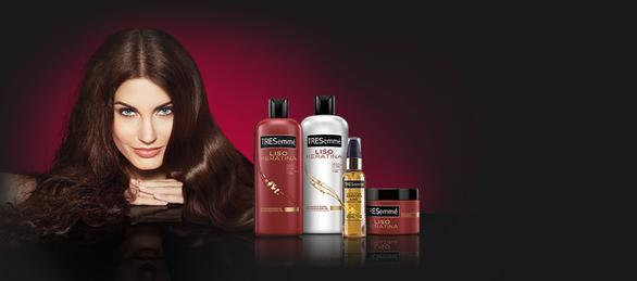 consigue-un-pelo-liso-de-peluqueria-con-liso-keratina-de-tresemme-productos