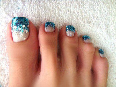 estilos-de-decoración-de-uñas-de-pies-2015-brillantes