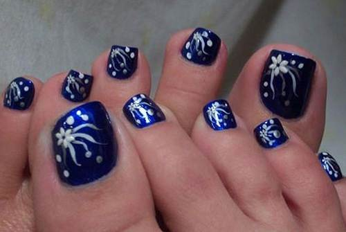 estilos-de-decoración-de-uñas-de-pies-2015-decoración-con-colores-azul