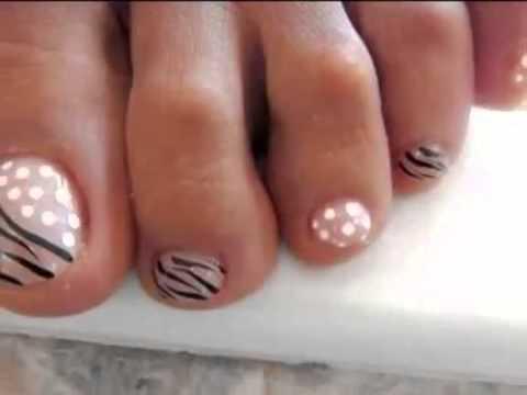 estilos-de-decoración-de-uñas-de-pies-2015-decoración-con-lunares