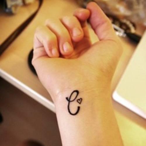 tatuajes-en-la-muñeca-2015-letra