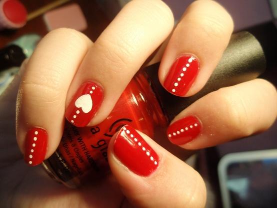 uñas-decoradas-san-valentin-2016-uñas-rojas-con-corazones