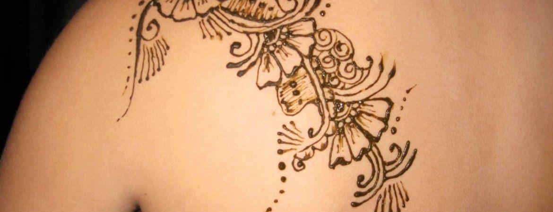 Los mejores tattoos de letras para una chica