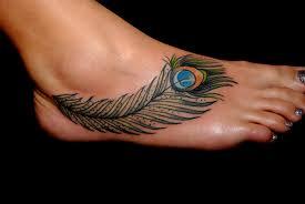 tendencias-tatuajes-para-mujeres-2015-tatuajes-grandes-plumas