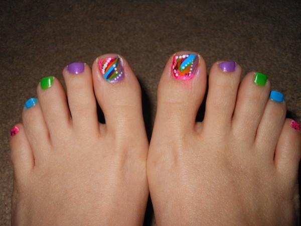 decoracion-de-uñas-de-pies-uñas-de-colores