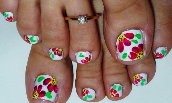 decoracion-de-uñas-de-pies-uñas-de-flores