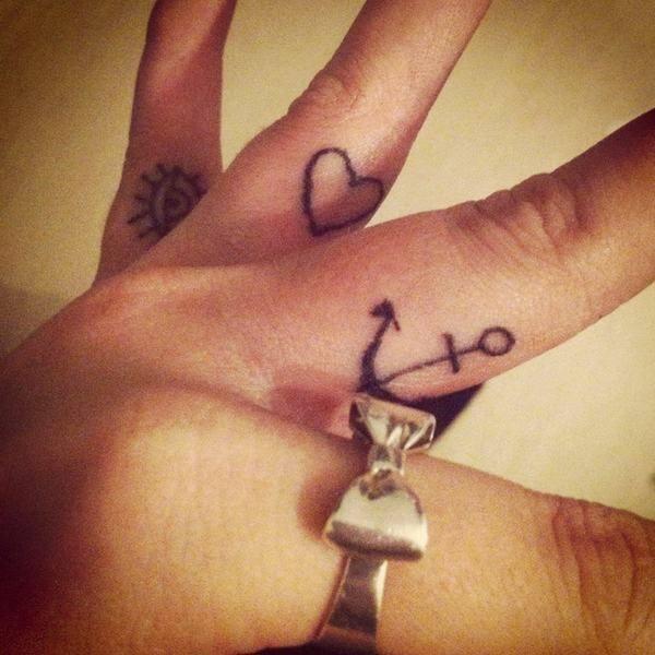 tatuaje_dedos