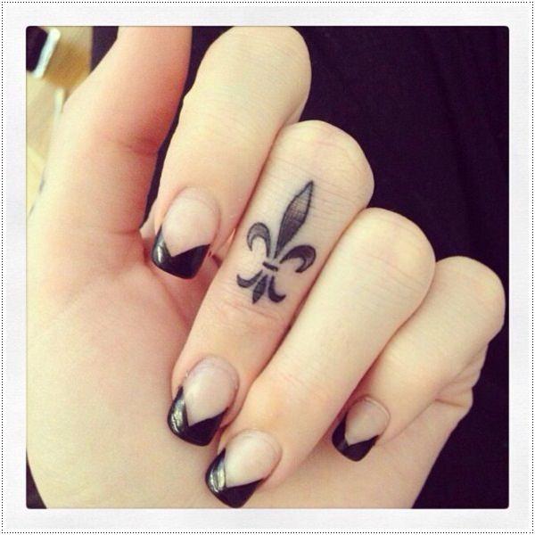 Tatuajes pequeños para mujeres 2015