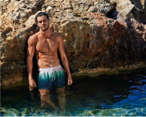 Imagen del catálogo oficial Swimwear de Calzedonia