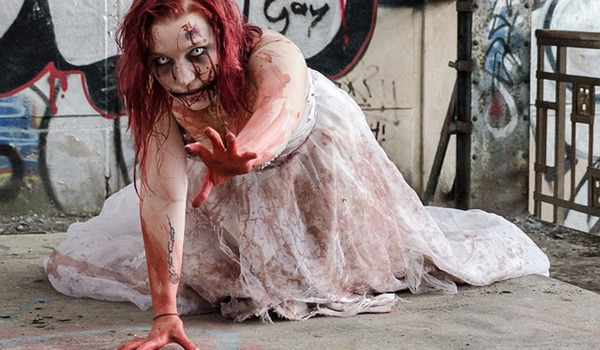 maquillaje-halloween-zombie-suelo