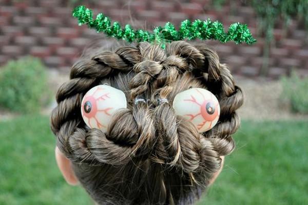 peinados-para-halloween-media-melena-ojos
