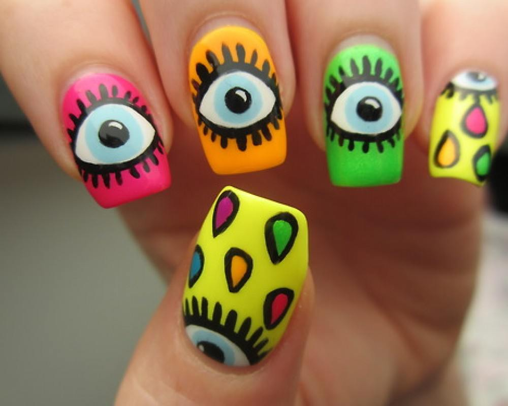 unas-decoradas-ojos