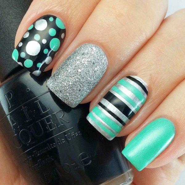 unas-decoradas-verde-plata
