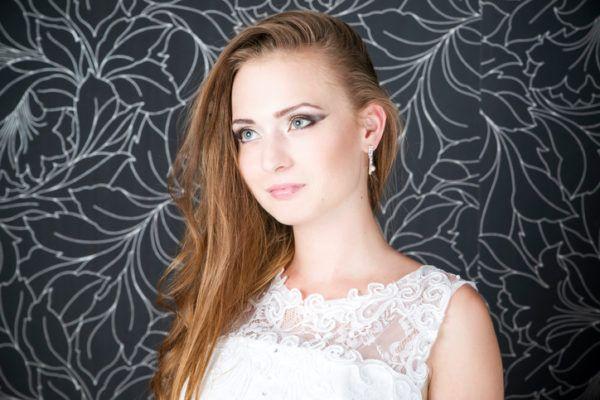 Peinados novia 2018 pelo suelto de lado