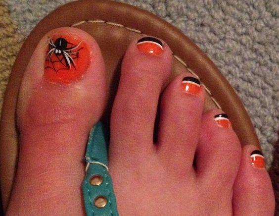 decoracion-de-unas-de-los-pies-halloween-arana