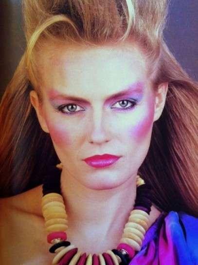 Años 80 Peinados Maquillaje Y Moda Esbelleza
