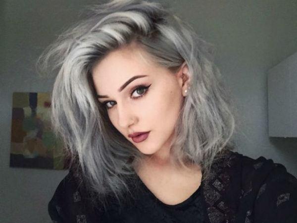 cabello-gris-media-melena