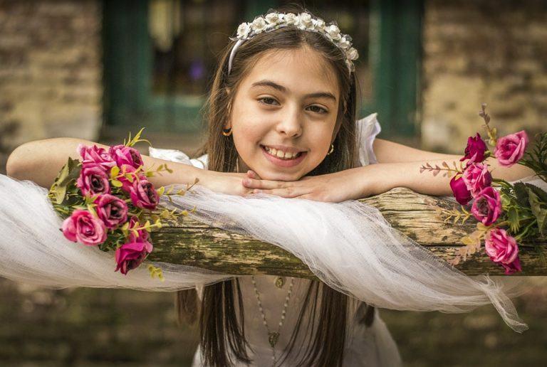 Oportunidades impresionantes peinados niña comunion 2021 Fotos de cortes de pelo estilo - Peinados de Comunión 2021 - esBelleza.com