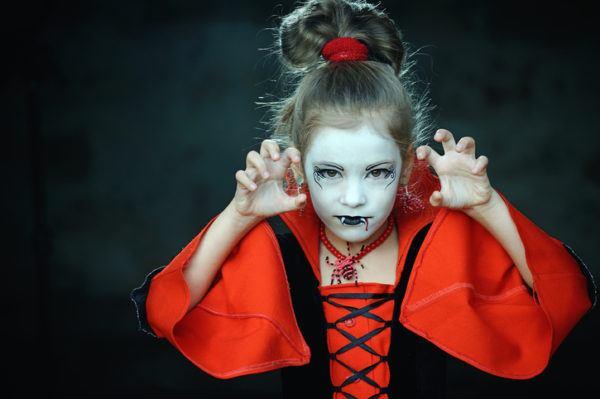 Maquillaje para carnaval y halloween 2018 originales para niños vampiresa