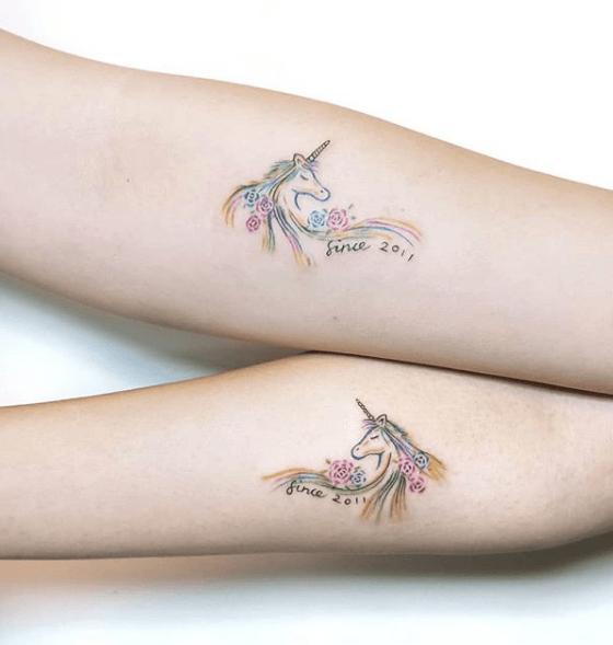 tatuajes de unicornio pequeno dual
