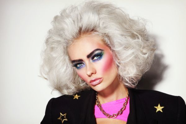 maquillaje-de-los-anos-80-1