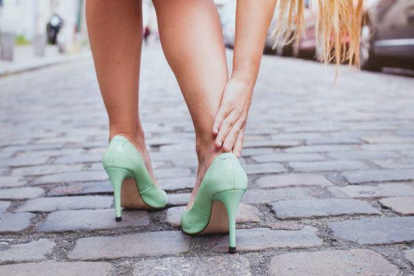 Zapatos poco cómodos y ampollas