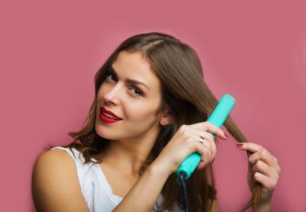 Alisar cabello húmedo