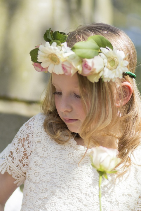 Peinados de comunion nina con flores