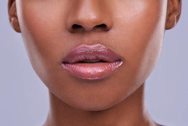 Diferencia entre barra de labios brillo balsamo labial 8